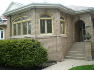 2830-Greenleaf-Bungalow