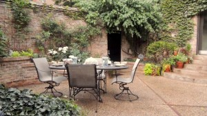 1740 N Wells brick patio